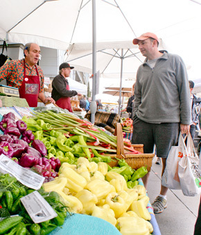 Farmers Markets Thrive While Concerns Grow   Food issues   Scoop.it