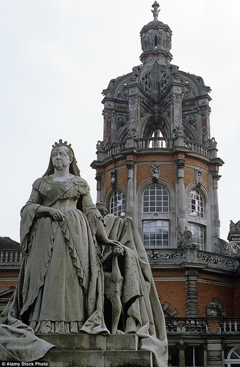 Cecil Rhodes protesters call for statue of Queen Victoria to be felled | Living-in-London Today | Scoop.it