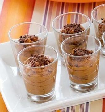 Mousse al cioccolato con granella di nocciole | Mangiare diverso | Scoop.it