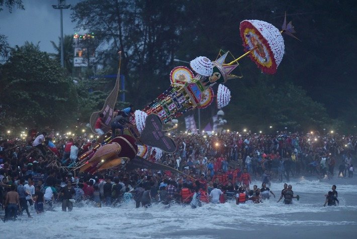 Mythical Islamic steeds cast into sea in Indonesia festival | Art Daily | Kiosque du monde : Asie | Scoop.it