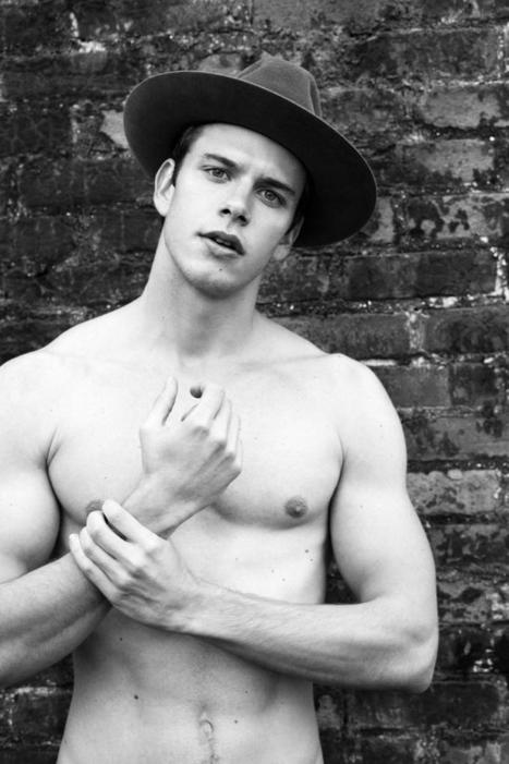 Up and Die: Ricardo Figueiredo by Greg Vaughan for made in brazil magazine | JIMIPARADISE! | Scoop.it