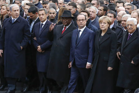 Comment Sarkozy a bousculé le protocole de la photo historique | Images fixes et animées - Clemi Montpellier | Scoop.it