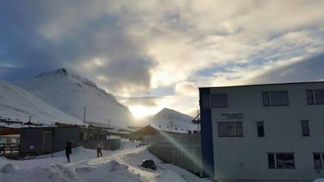 1er soleil en ville à #Longyearbyen #Spitzberg #Svalbard #arctique 78°N | Hurtigruten Arctique Antarctique | Scoop.it