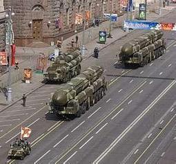 Medvedev ameaça posicionar mísseis na fronteira com a União ...   Europa   Scoop.it