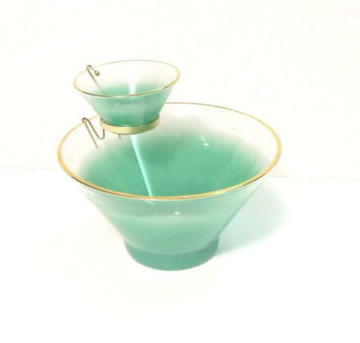 Vintage1960's  Blendo Chip and Dip Bowl Set by MrsRekamepip | Kitsch | Scoop.it