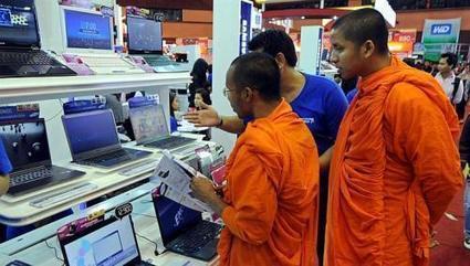 In Thailand: Where monks and money mix- Buddhist Scandals   Religion Around the World   Scoop.it
