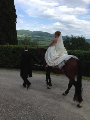 Acconciature sposa capelli ricci Siena, Arezzo | Sam's | Acconciature e Make Up Sposa Chianciano - Siena » Sam's | Scoop.it