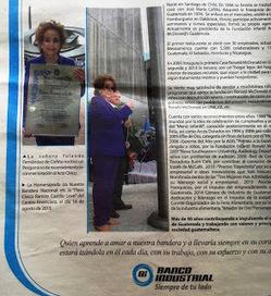 Yolanda de Cofiño Tenedor de Oro personaje del año, Iza Bandera Nacional en Banco Industrial   CorpoEventos   Scoop.it