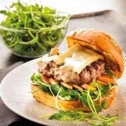 Burger au Brie de Meau, sauce grenade | thevoiceofcheese | Scoop.it