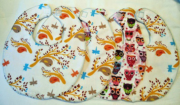 Free pattern: Simple baby bib | Sewing | CraftGossip.com | yarn crafts such as knitting crocheting knooking and machine knitting | Scoop.it