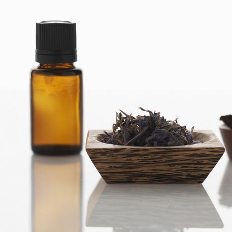 5 huiles essentielles pour rester zen - Plurielles.fr | Huiles Essentiels | Scoop.it
