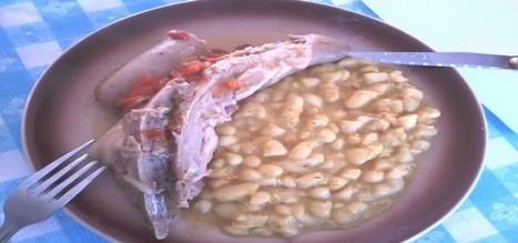 Saucisses et queues de porc aux haricots blancs-Édith et sa cuisine   w3p-annuaire.com   Scoop.it
