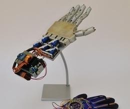 Wireless Controlled Robotic Hand | Open Source Hardware News | Scoop.it