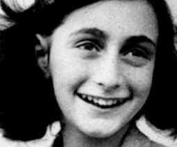 Anne Frank for iPad and Nook reimagines The Diary of a Young Girl for the digital age | iGeneration - 21st Century Education | Scoop.it