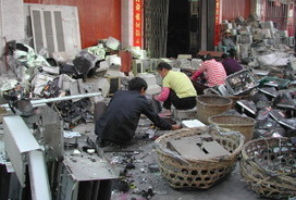 E-Waste Recycling Academy for Developing World Told of Risks and Rewards - Waste Mangagement World | e-waste | Scoop.it