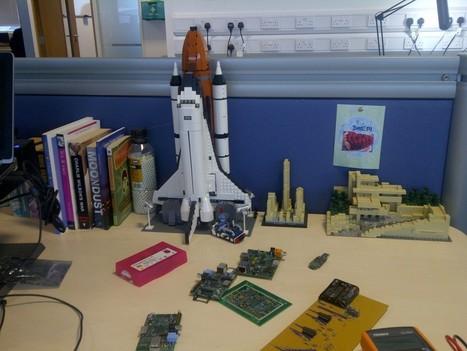 Eben's desk | Raspberry Pi | Raspberry Pi | Scoop.it