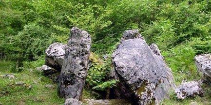 Aussurucq - Chéraute : dolmen et site de Gaztelaïa à visiter - La République des Pyrénées | Mégalithismes | Scoop.it