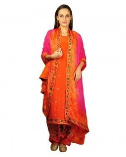 Latest and Trendy Embroided Salwar Kameez Designs and Patterns   Talkingthreads   Scoop.it