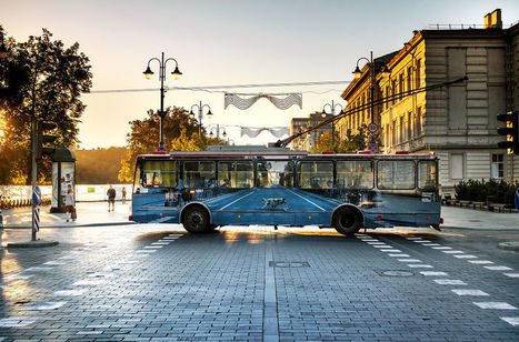 Street Artist Makes #Trolleybus '#Disappear' In Vilnius. #art #streetart #illusion #urban #bus | Luby Art | Scoop.it