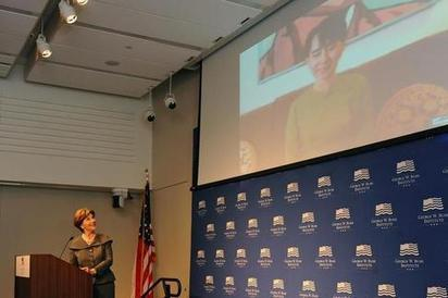 Aung San Suu Kyi Shares Good News via Skype | Teacher Leadership Weekly | Scoop.it