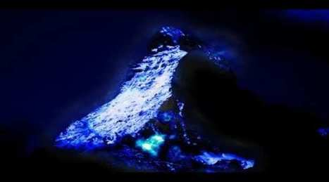 Check Out The Volcano That Spews Blue Lava [Video] | Strange days indeed... | Scoop.it
