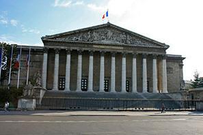 A la Une - Enfants volés de la Réunion : une résolution mémorielle au Parlement - CollectifVAN.org | Revue de presse Annick Le Loch | Scoop.it
