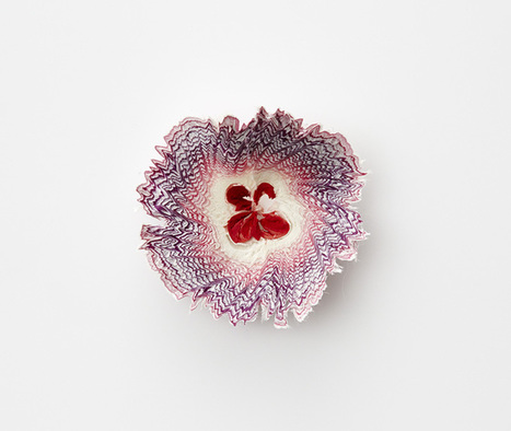 Tiny #Paper #Flowers Inspired by #Pencil #Shavings by Haruka Misawa. #art | Luby Art | Scoop.it