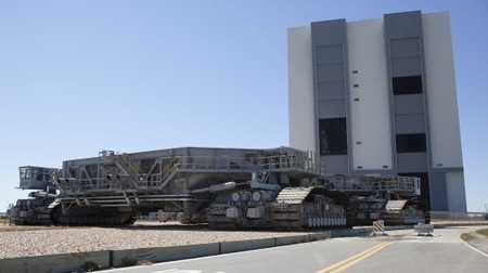 NASA's colossal crawlers mark half a century of service | David Szondy | GizMag.com | Digital Media Literacy + Cyber Arts + Performance Centers Connected to Fiber Networks | Scoop.it