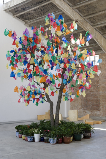 Pascale Marthine Tayou:  Plastic Tree | Plastics | Scoop.it