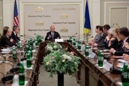 Land Destroyer: West Visits Newly Installed Regime in Kiev | Global politics | Scoop.it