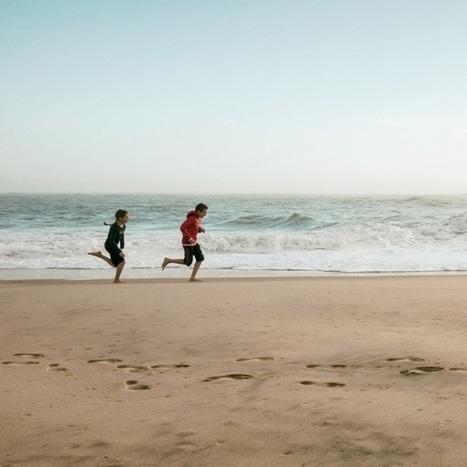 Frère et soeur dans un même élan de vie… Plage de la pointe au Cap-Ferret #CapFerret #Sony | Lège Cap Ferret | Scoop.it