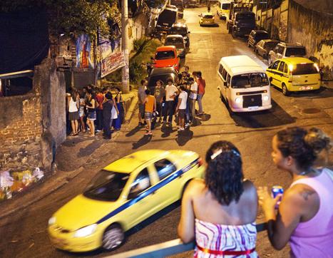 O asfalto invade o morro | Carta Capital | A experiência urbana | Scoop.it