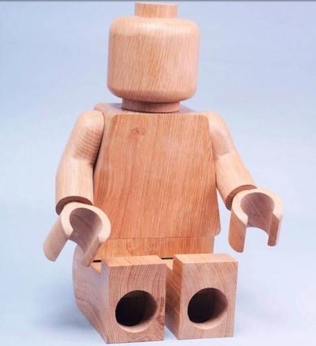 LEGO minifigures handcrafted out of oak wood are elevated to art form | L'Etablisienne, un atelier pour créer, fabriquer, rénover, personnaliser... | Scoop.it