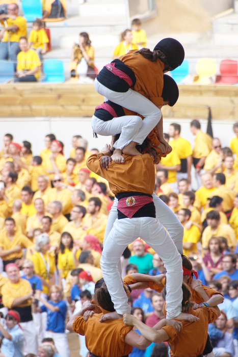 Human castles - a metaphor for the Catalan spirit | Catalan Cultural Festive | Scoop.it