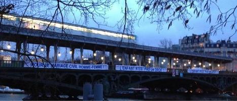 Des dizaines de banderoles anti-mariage gay recouvrent des ponts de Paris - France - TF1 News | Homophobie | Scoop.it