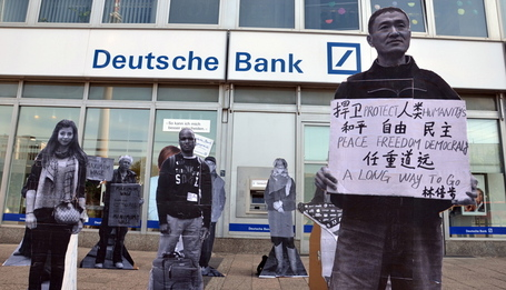Cardboard Protesters Take Berlin by the News Desk | Berlin Life Style | Scoop.it