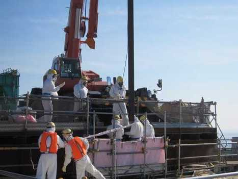 """Daily Kos: """"Apocalyptic"""" Fukushima Fuel Rod Removal Begins Nov. 8; TEPCO Subcontracts Yakuza gangsters 
