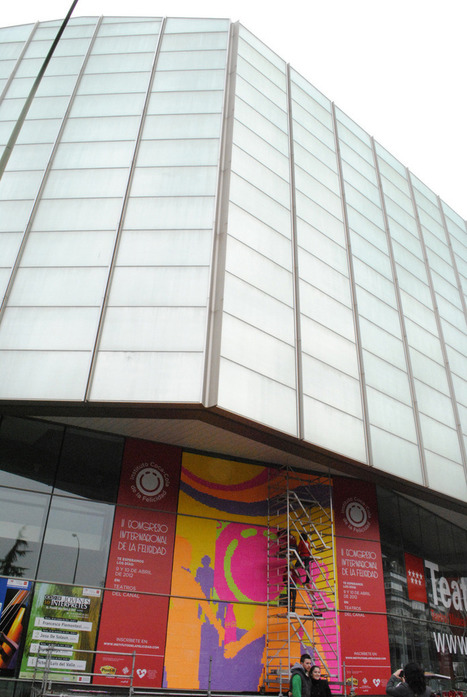 Cool! the world's biggest stop-motion with post-it art | Tracking Transmedia | Scoop.it