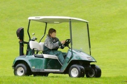 Ivre, il relie St-Cyprien à Perpignan en voiturette de golf et se fait ... - L'indépendant.fr   actualité golf - golf des vigiers   Scoop.it