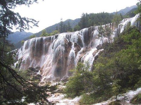 File:Jiuzhaigou Waterfall.jpg - Wikimedia Commons | Surprising marvelous! | Scoop.it