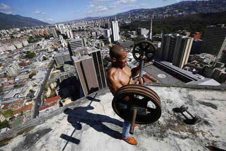 'Tower of David' Venezuela: the world's tallest slum in incredible images | Environmental Justice | Scoop.it