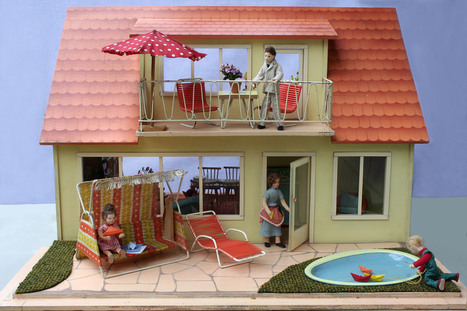 """Ostalgie""- Rare collection shows dollhouses from German Democratic Republic 