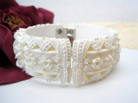 Vintage Celluloid White Flowers Clamper Bracelet | vintage jewelry | Scoop.it