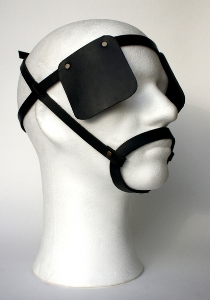 Œillères : Awsome and engaged new artwork from the artist Xavier Brandeis / Are we wearing blinders?   Art Museums Trends   Scoop.it