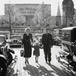 A vanished world: Roman Vishniac's street photography of Jewish life from the 1920s to 1950s in pictures | a photographer's life | Scoop.it
