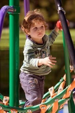 Risk and Challenge in Playgrounds | Overprotected children safety | Scoop.it