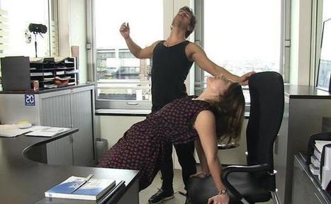 VIDEO. Faire du yoga au bureau pour travailler plus détendu - 20minutes.fr | Life@work | Scoop.it
