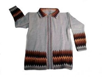 Weisse Damen Strickjacke mit Zackenmuster, peruanische Alpakawolle | Produkte aus Peru | Scoop.it