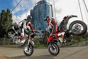 Comparison Test: Aprilia SMV 750 and Ducati Hypermotard 1100 Evo ... | Ducati & Italian Bikes | Scoop.it