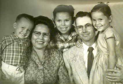 Living in two worlds - Native Navajo & White Mormon | Mixed American Life | Scoop.it